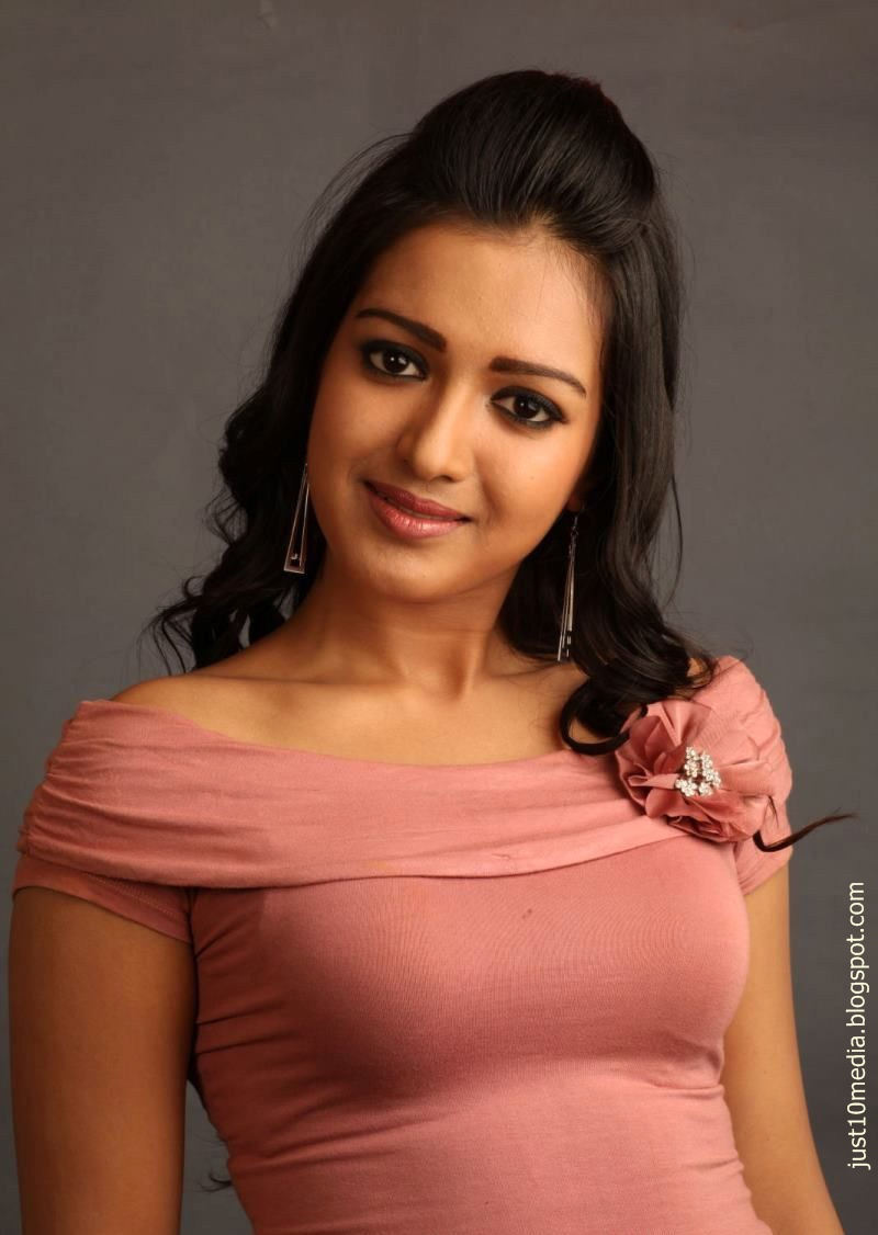 actress catherine tresa - photo #1
