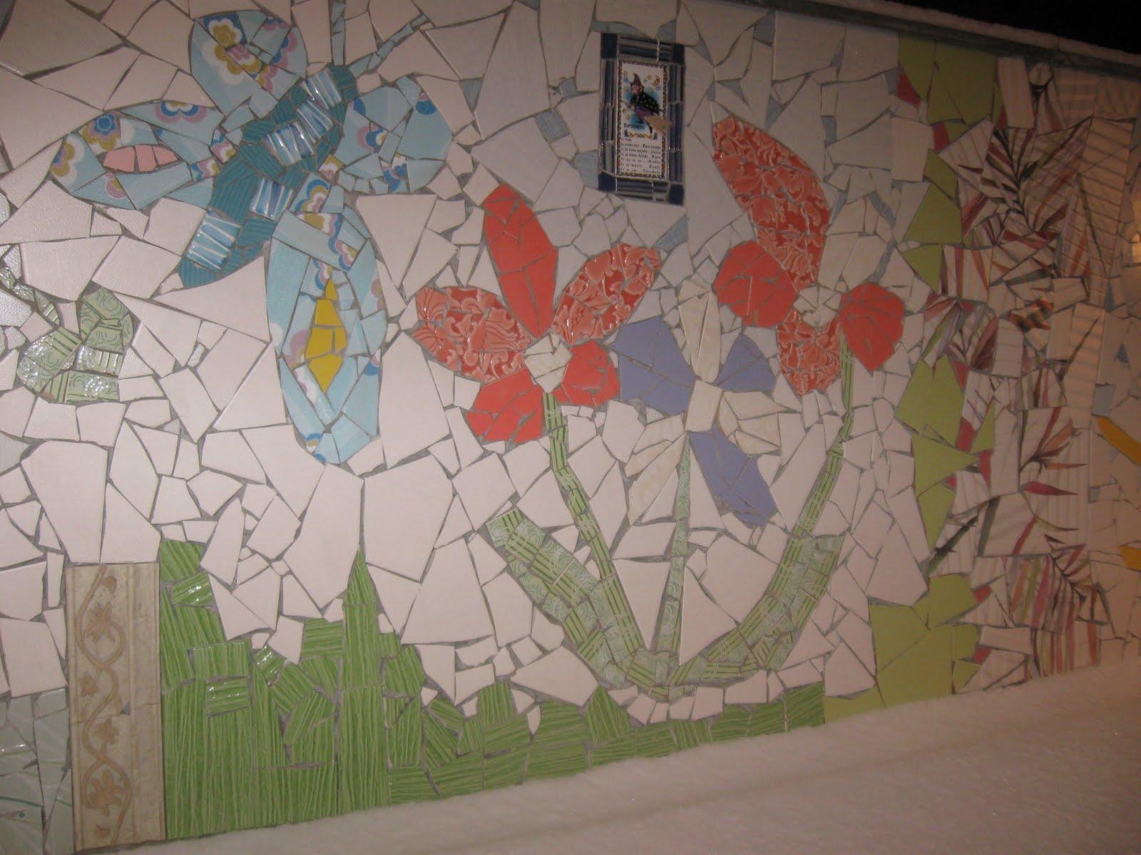 Plantamer mosaicos para el jard n e interiores for Mosaicos de azulejos en paredes