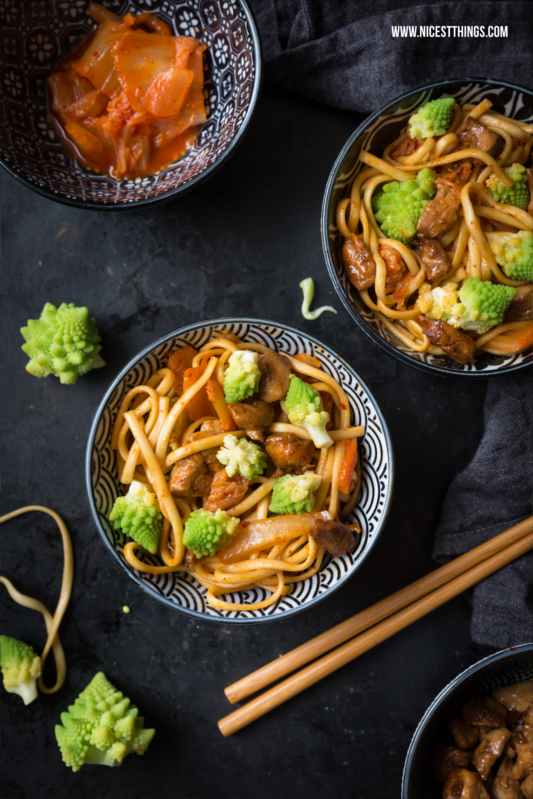 Asian Soba Noodles with Kimchi, Romanesco and Chicken