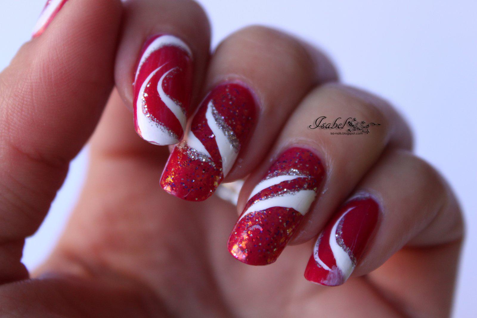 Nail Art Glamour au liner sur un beau rouge | Nail ISArt