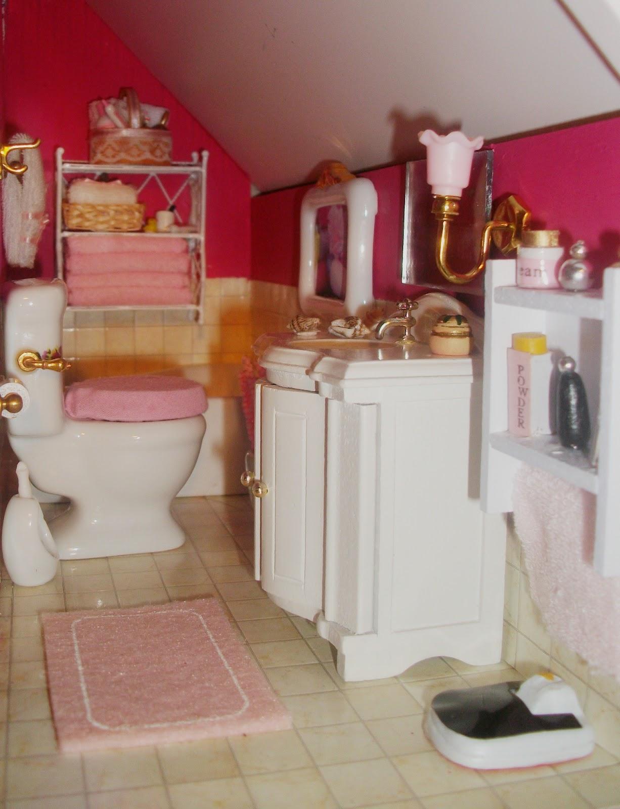 Un mundo en peque as dimensiones mi casita de mu ecas el for Estanterias pequenas para bano