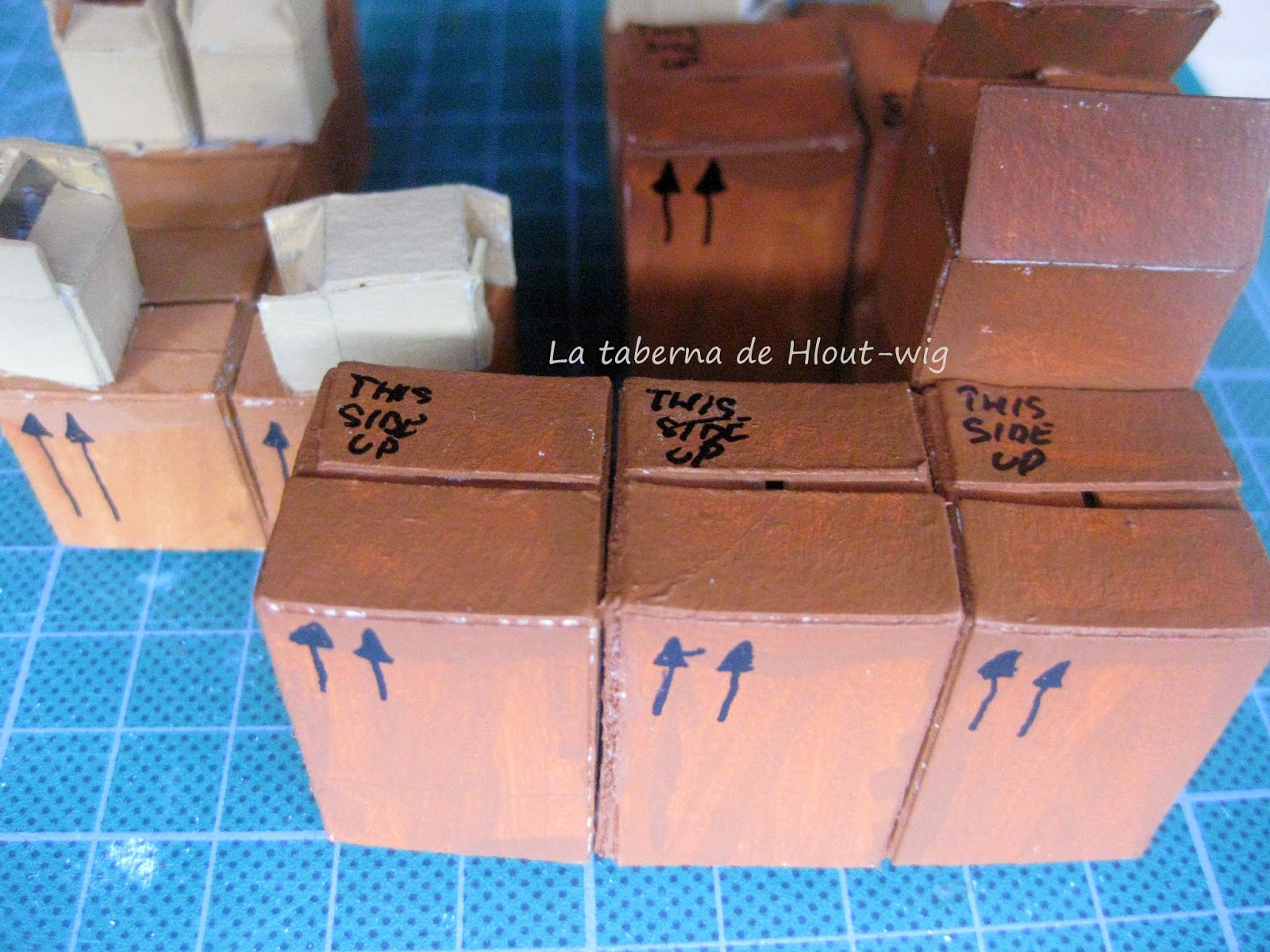 Detalles en las cajas (flechas y leyendas)