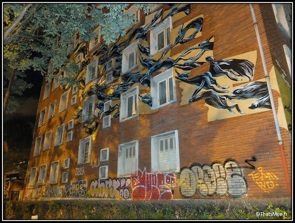 Tour Paris 13 immeuble vue extérieure street art