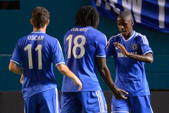Ramires celebrates with Chelsea teammates after scoring a goal against Real Madrid