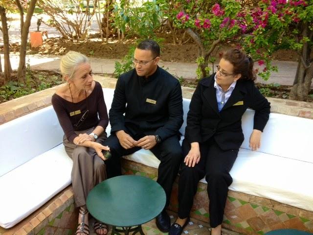 Briefing de service en haute saison - Hôtel Les Deux Tours dream team - Marrakech