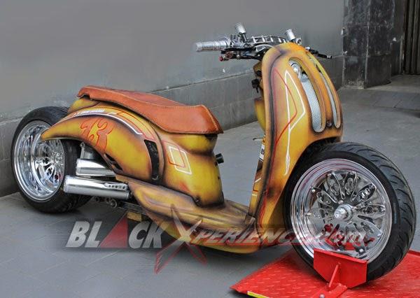 Foto Modifikasi Honda Scoopy Style Low Rider Bodi Hotrod 2014