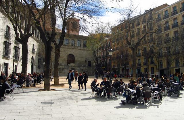 Terrazas en Plaza de la Paja.