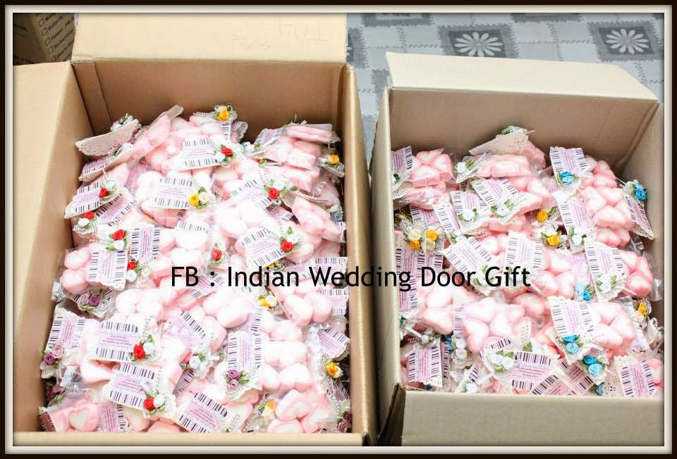Do It Yourself Wedding Door Gift : Customer Order : 800pcs Marshmallow in Packet with Flower Ornament and ...