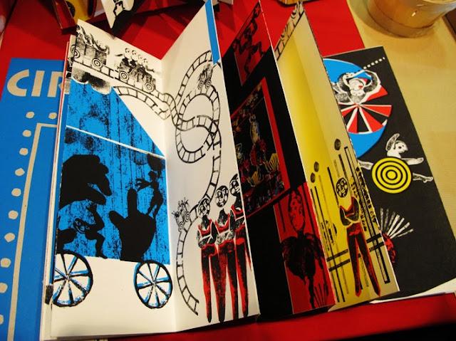 salon du livre pour la jeunesse 2013 - Brigitte Rio - cirque -livre augmenté - QR  codes