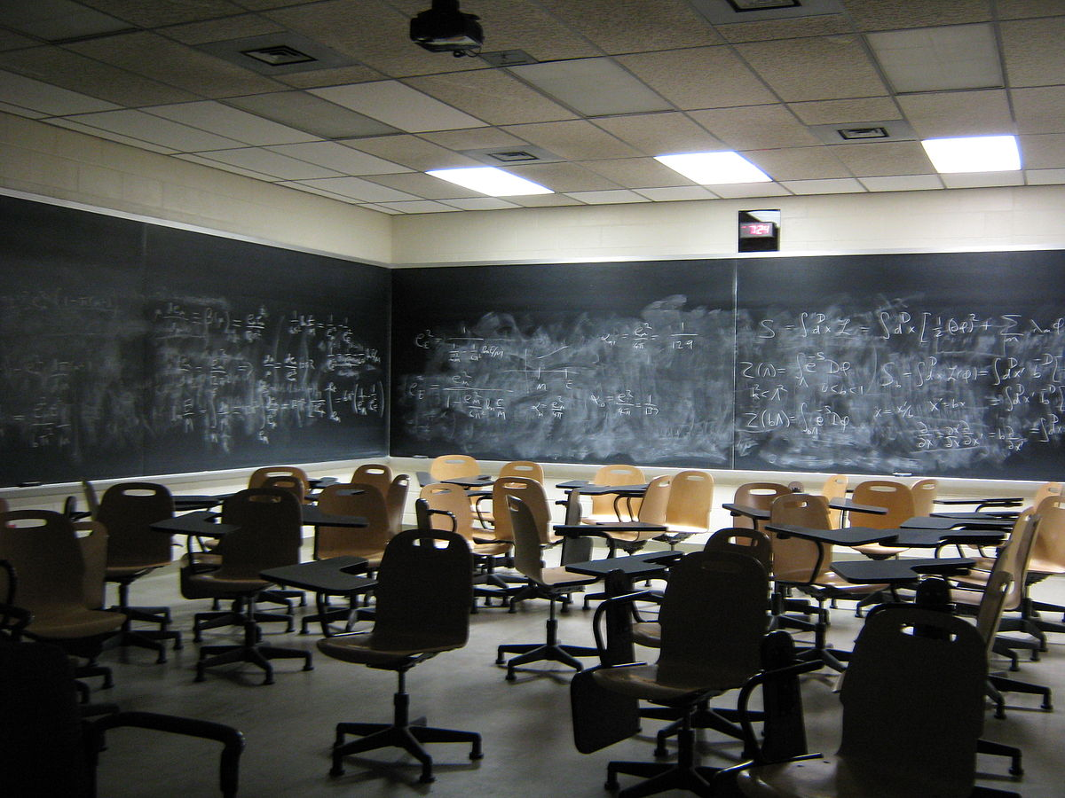 Science Classroom Idea ~ For new science teachers setting up the classroom