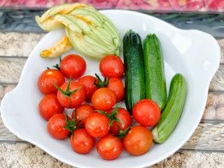 Bruschettas aux minis légumes du jardin