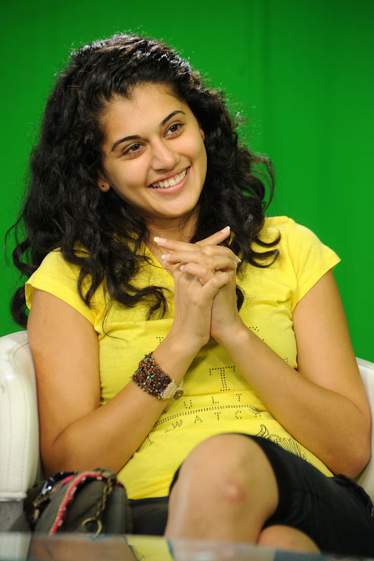 Actress Taapsee Stills Gallery wallpapers