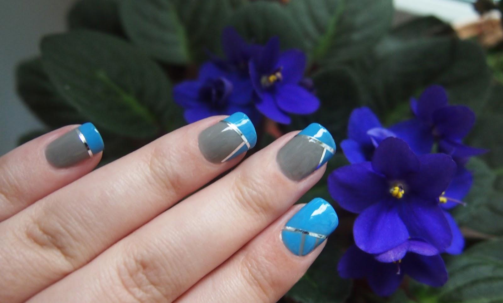 Синий Дизайн ногтей с декоративными лентами 170