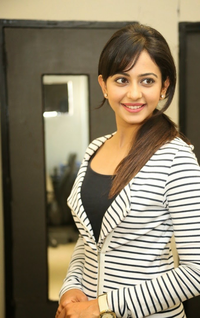 south indian actress rakul preet singh photo