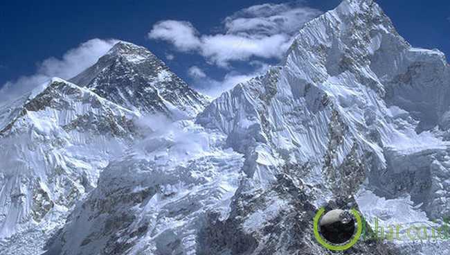 Gunung Everest, Nepal/Perbatasan Cina