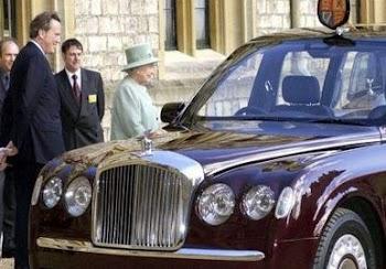 Τα απίστευτα αυτοκίνητα της βασίλισσας Ελισάβετ
