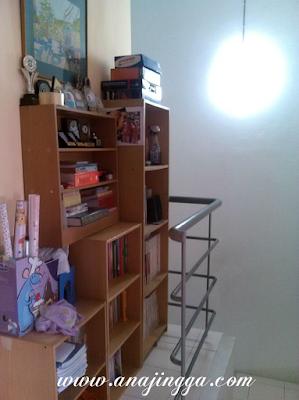 idea menyusun buku di rumah