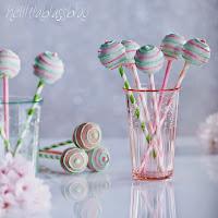 http://www.helllilablassblau.de/2014/04/cake-pops-im-vintage-style-zu-gast-bei.html