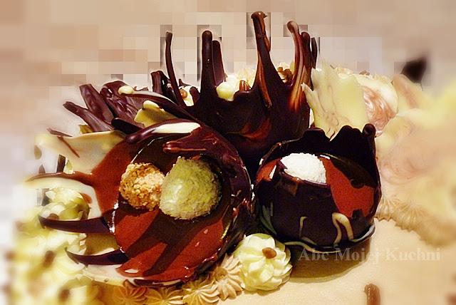 Tort kakaowo - orzechowy z masą kawową