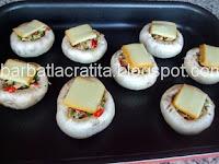 Ciuperci umplute la cuptor preparare reteta