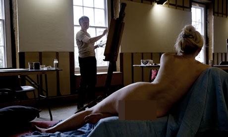 Vất vả tủi thân với nghề làm người mẫu nude 3