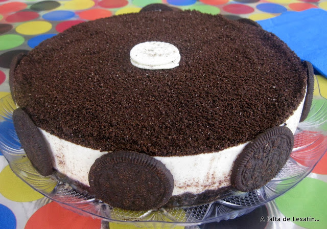 Tarta de galletas Oreo y chocolate blanco