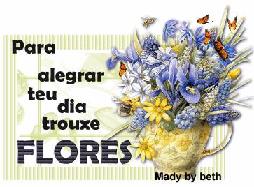 VASO DE FLORES COM BORBOLETAS.