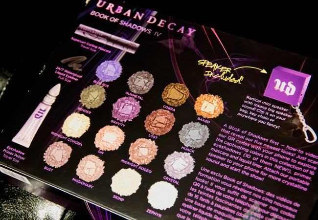 Sephora, Urban Decay, Urban Decay Book of Shadows, Book of Shadows volume IV, Eye shadow palette, Urban Decay eye shadow palette, Make up review, eye shadow palette review