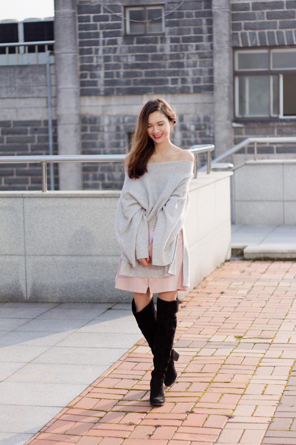 Cashmere Poncho, zara, feminine style, romantic style, korean style, expat fashion, airport fashion, over the knee boots