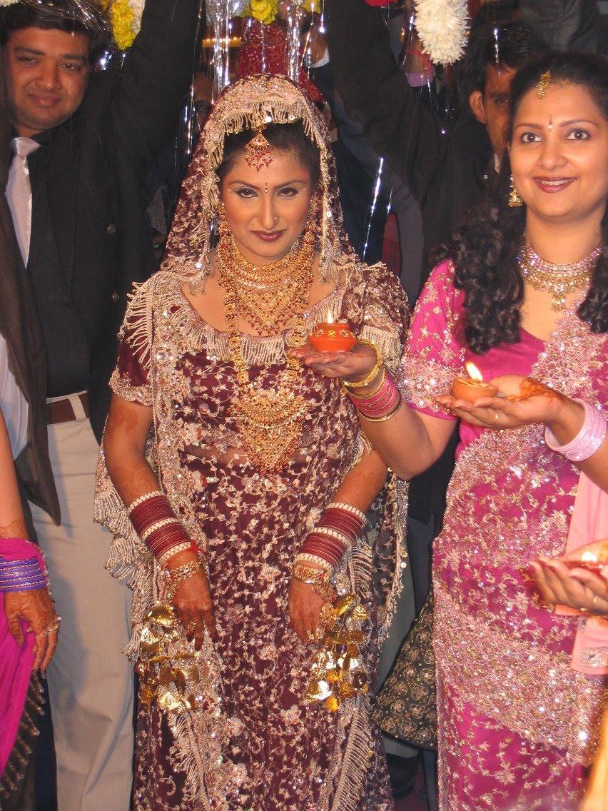 Wedding Night Gift For Indian Groom : wedding: Indian Wedding Night