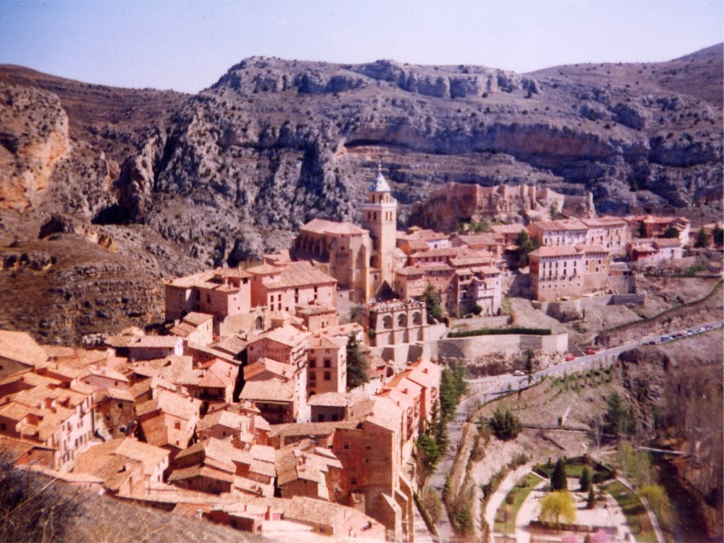 World Beautifull Places: The Albarracin Town Spain Images ...