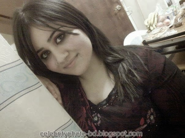 Deshi+girl+real+indianVillage+And+college+girl+Photos051