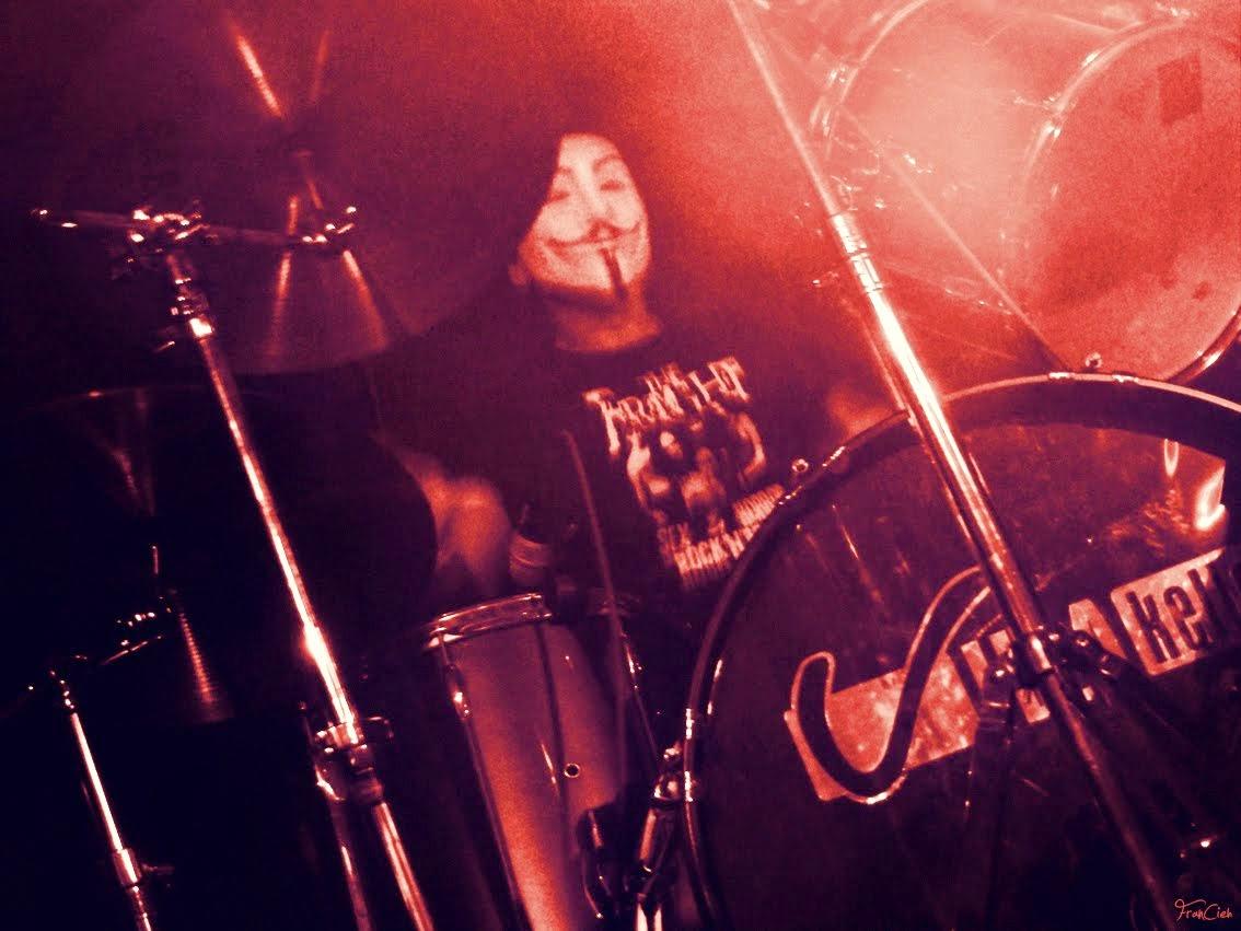 V wie Kay (Schlagzeug)