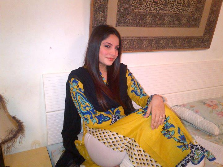 Hot yung pakistan lady error