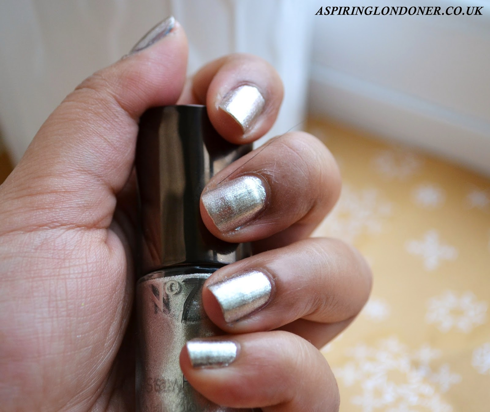 No7 Gel Look Shine Nail Polish Exquisite Gold Swatch & Review - Aspiring Londoner
