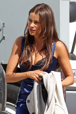 Sofia Vergara changing clothes on the set of Modern Family