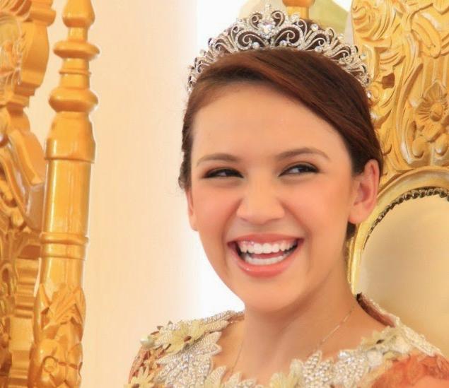 BIAR BETUL Kembar DIANA DANIELLE Seorang Ratu Cantik Rupanya