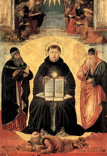Santo Tomás de Aquino, apoyado en Platón y Aristóteles, aplasta la herejía
