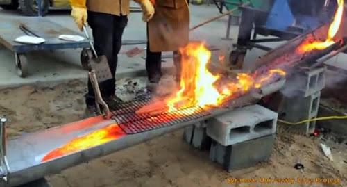Universitários fazem churrasco na lava