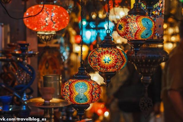 Рынок в Стамбуле. Светильники