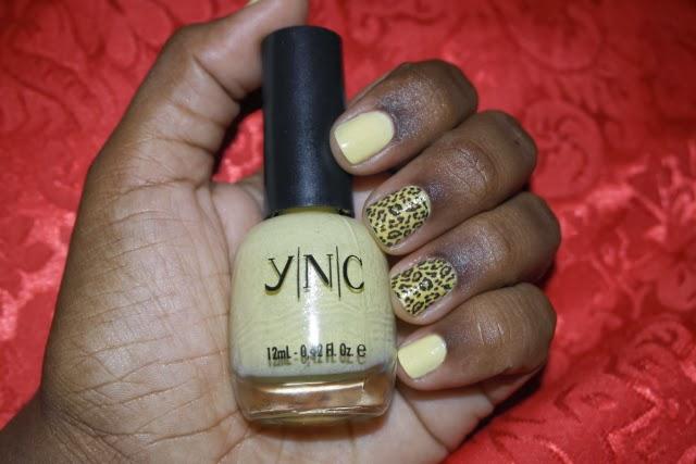 unhas-da-vez-YNC-star-Coisas-de-mulher-adesivos-oncinha-amarelo