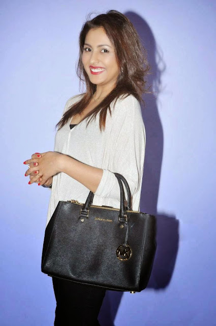 Actress Madhu Shalini Picture Gallery at Ladies And Gentlemen Movie Preview Show 3.JPG