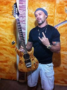 www.vallimguitar.com