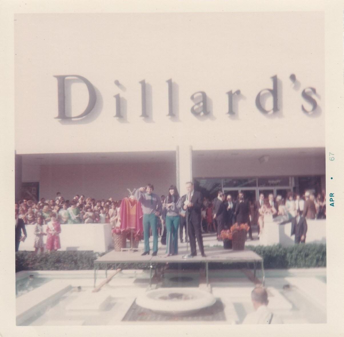 Pleasant Family Shopping: September 2012