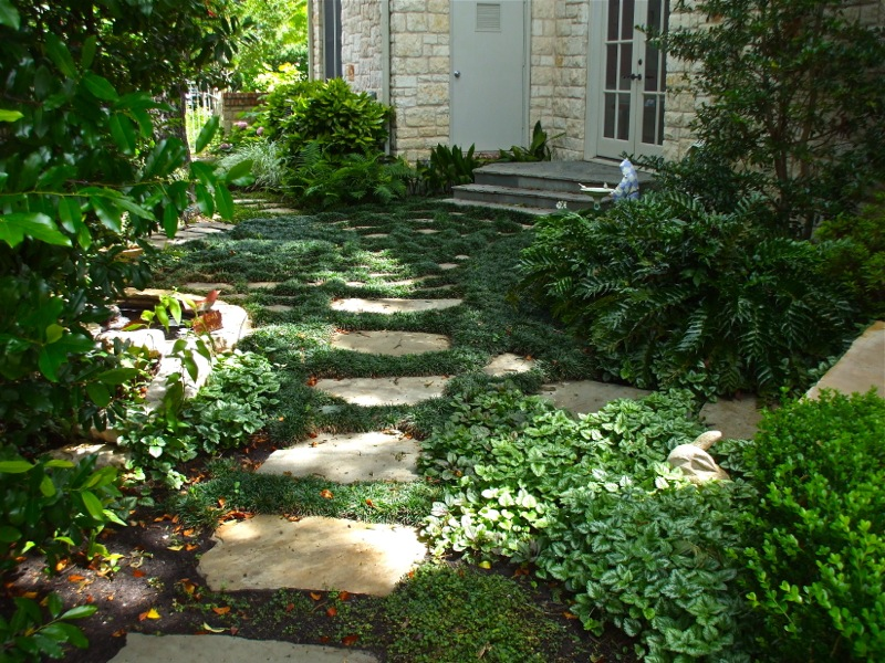 Making creative garden path ideas garden edging ideas - Garden pathway design ideas with some natural stones trails ...