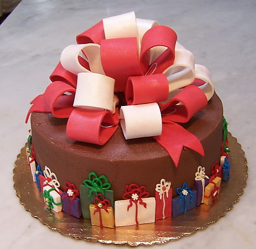Beautiful christmas cake decoration let 39 s celebrate for Decoration ideas for christmas cake
