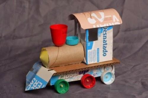 Cómo hacer coches de carreras reciclando rollos de papel higiénico