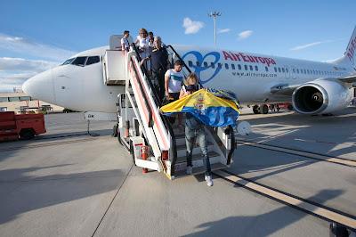 Aficionados UD Las Palmas avión Zaragoza