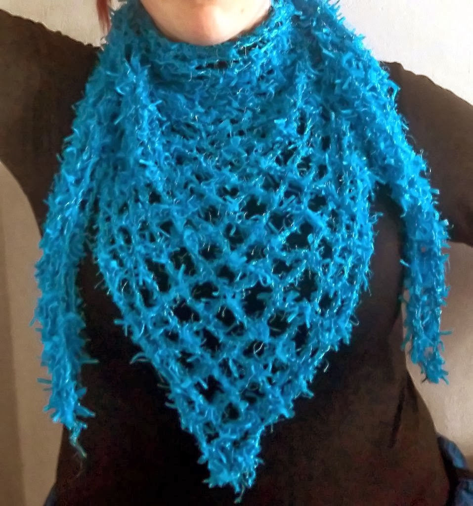 Easy Crochet Patterns For A Shawl : Cute Designs: Romantic Shawl Easy Crochet Pattern