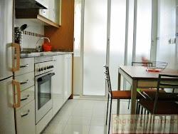 Piso de dos dormitorios en alquiler en Montealto, Plaza de Indalecio Prieto, garaje. 180.000€